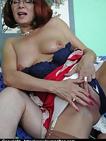 Mature horny stocking cougar