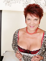Sexy Scorpion is a horny British housewife that loves to play